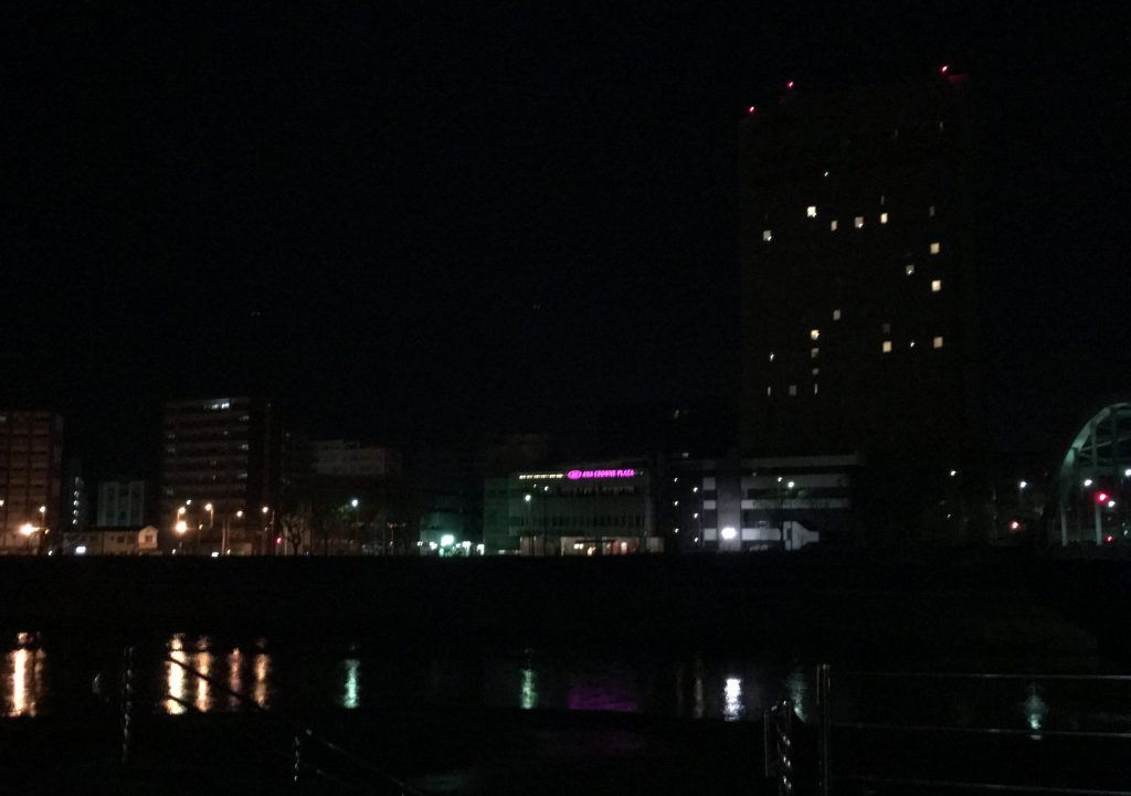 深夜の熊本駅付近
